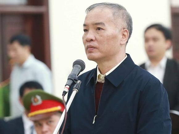 Ông Lê Nam Trà khai tại TAND Hà Nội. Ảnh: TTXVN