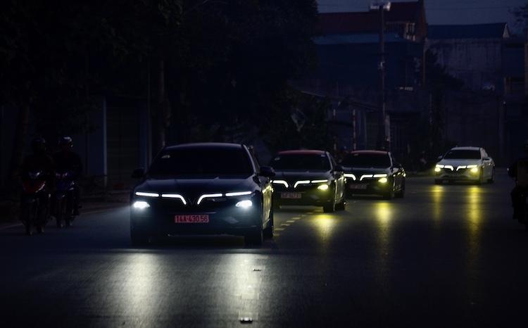 Thiết kế đèn LED dễ nhận diện thương hiệu trên xe Lux A2.0.