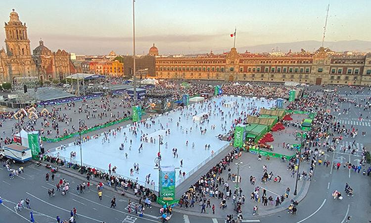 Sân trượt băng 4.000 m2 làm bằng polymer