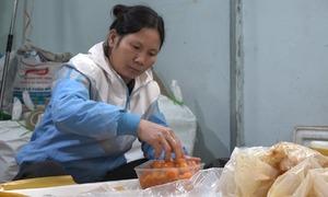 Hơn một tấn thịt vịt, tràng trứng nhập lậu bị bắt