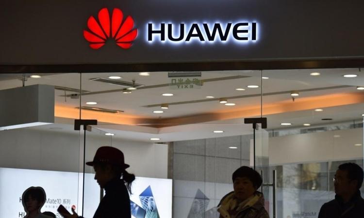 Một cửa hàng Huawei tại Bắc Kinh tháng 12/2018. Ảnh: AFP.