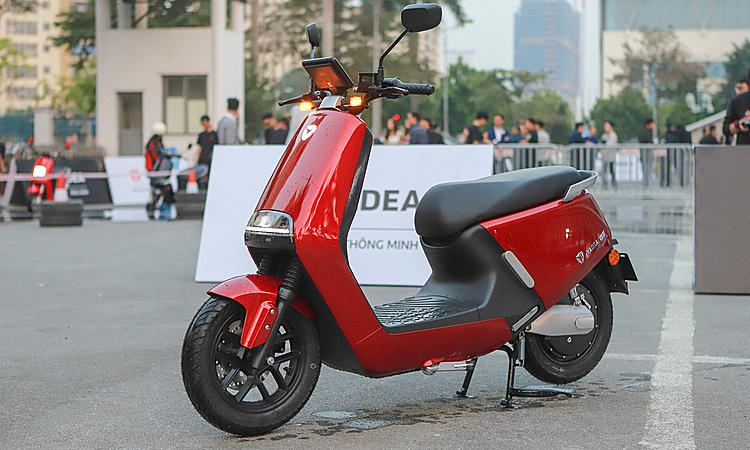 Xe máy điện Yadea G5 trong lần ra mắt tại Hà Nội. Ảnh: Lương Dũng