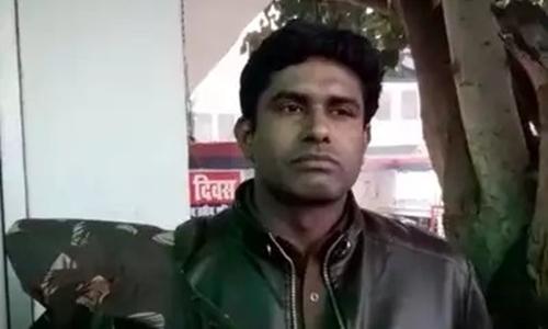 Cảnh sát Vijender Kumar. Ảnh: indiatimes.