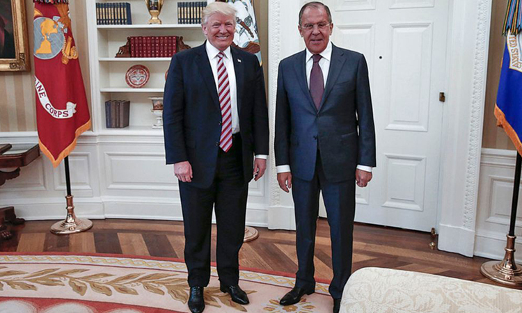 Tổng thống Mỹ Trump và ngoại trưởng Nga Sergey Lavrov tại Nhà Trắng tháng 5/2017. Ảnh: AP.