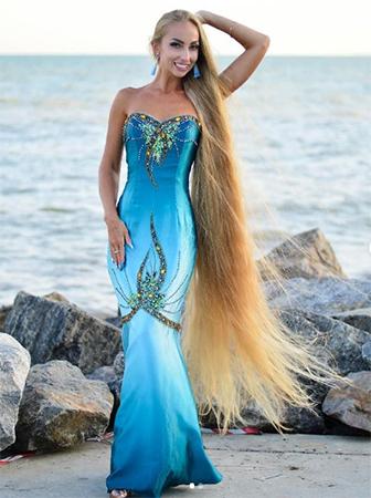 Alena vàmái tóc dài 1,8 mét. Ảnh: Instagram/alenuwka_longhair