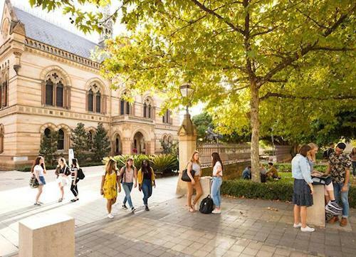 Đại học Adelaide đào tạo hơn 400 chương trình học thuộc nhiều lĩnh vực.