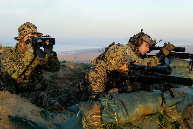 Lính Mỹ và Hàn Quốc tham gia luyện tậpchung tại căn cứ không quân Gunsan, Hàn Quốc, ngày 12/11. Ảnh: Reuters.