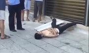 Tên trộm bị tóm vì kẹt chân vào cửa tự động