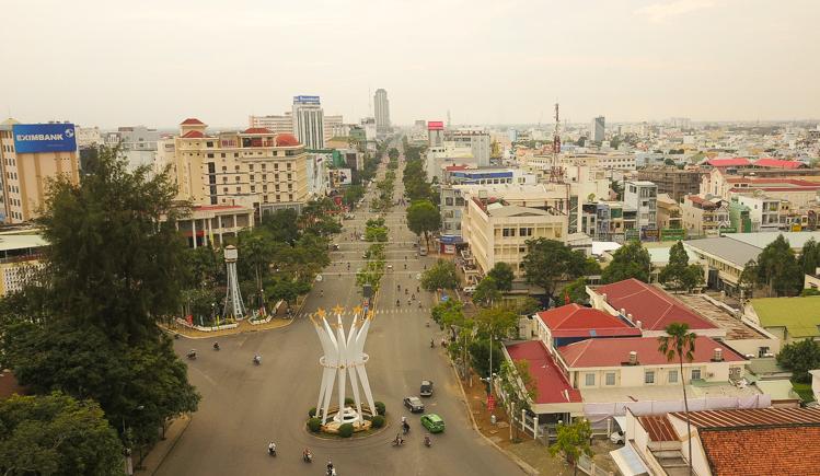 Đại lộ Hoà Bình ở trung tâm TP Cần Thơ. Ảnh: Cửu Long