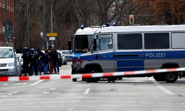 Cảnh sát phong tỏa khu vực trung tâm Berlin chiều 30/12. Ảnh: Reuters.
