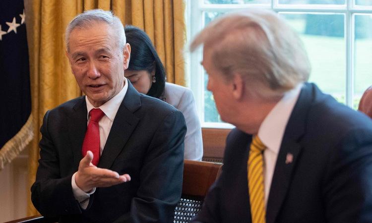 Phó thủ tướng Lưu Hạc gặp Trump tại Nhà Trắng hồi tháng 10. Ảnh: AFP.