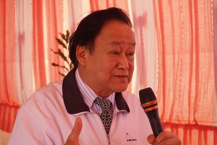 Giáo sư Nguyễn Lân Hùng đánh giá, Tây Nguyên là vùng đất tiềm năng phát triển macca. Ảnh: Trần Hóa.