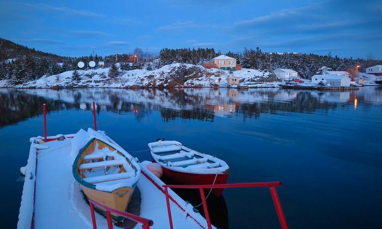 Khung cảnh Little Bay Islands nhìn từ nhà của Parsons lúc chiều tối. Ảnh: Washington Post.