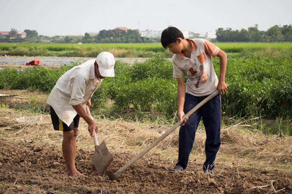 Võ Văn Minh, 13 tuổi, học sinh lớp 3 tại Trường tình thương Bình An.