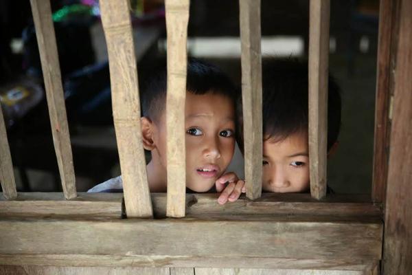 Trẻ em ở bản Muỗng, Quan Sơn, Thanh Hóa.