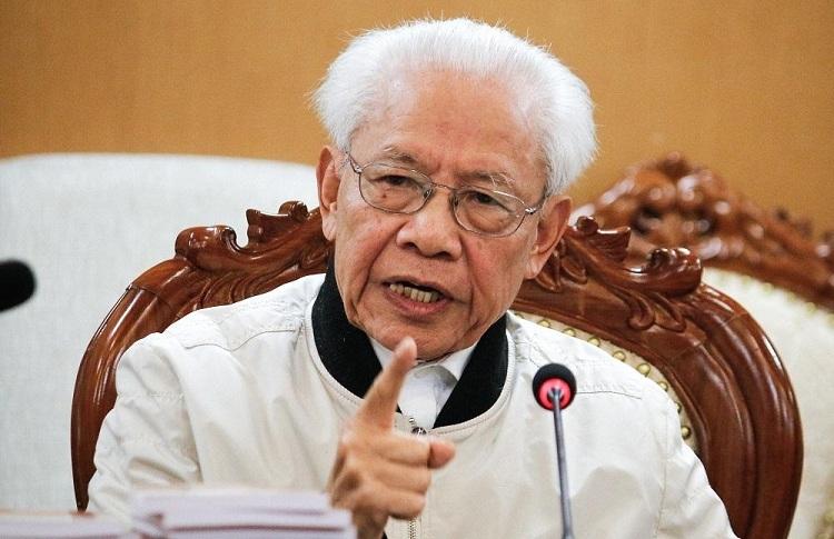 GS Hồ Ngọc Đại trong buổi đối thoại với Bộ Giáo dục và Đào tạo, sáng 3/1. Ảnh: Thanh Hằng