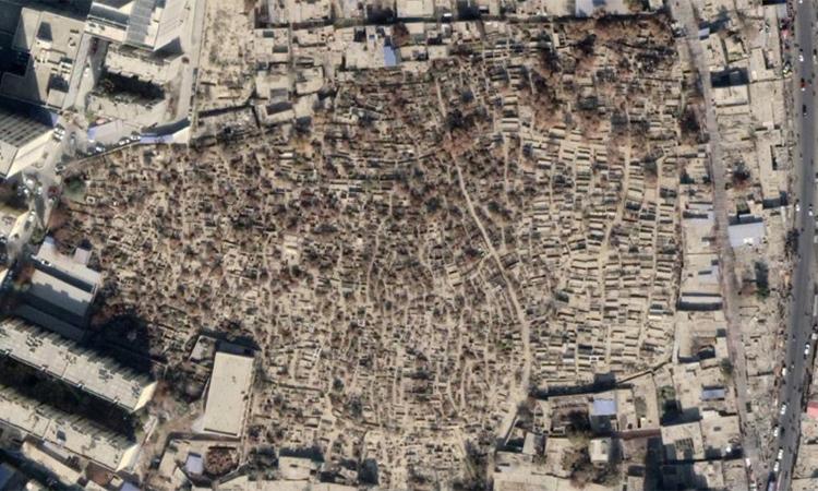 Ảnh chụp vệ tinh nghĩa trang Sultanim lâu đời ở trung tâm thành phố Hotan,Tân Cương, Trung Quốcnăm 2017. Ảnh: CNN.
