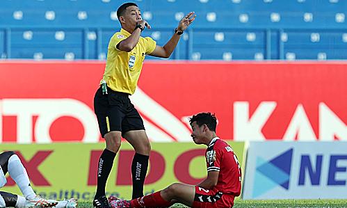 Ngô Duy Lân là trọng tài Việt Nam duy nhất nằmtrong nhóm AFC Elite. Ảnh: Đức Đồng.