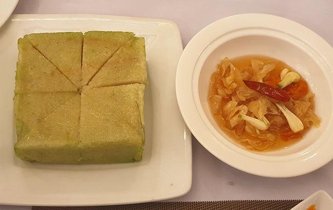 Người dân Quảng Nam thường dùng dưa món ăn với bánh chưng ngày Tết. Ảnh: Đắc Thành.