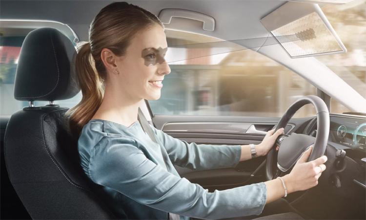 Thay vì tấm chắn truyền thống, thiết kế của Bosch sử dụng màn hình LCD trong suốt. Ảnh: Bosch