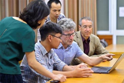 Đội ngũ giảng viên Việt Nam và quốc tế giàu kinh nghiệm.