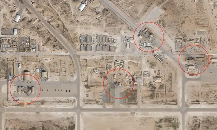 Các nhà chứa máy bay và công trình tại căn cứ al-Asad, Iraq bị hư hại sau đòn tập kích tên lửa của Iran ngày 8/1. Ảnh: Planet Labs.