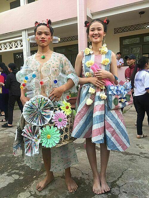 Học sinh sáng tạo với màn trình diễn thời trang tái chế - 4