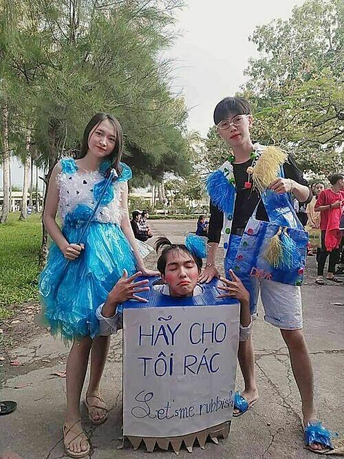 Học sinh sáng tạo với màn trình diễn thời trang tái chế - 9