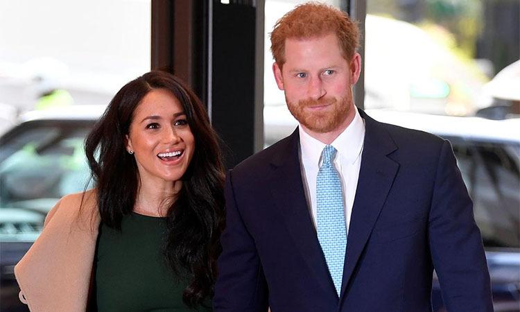 Hoàng tử Anh Harry và công nương Meghan tại London tháng 10/2019. Ảnh: Reuters.