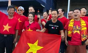 CĐV đổ đến sân Buriram cổ vũ U23 Việt Nam