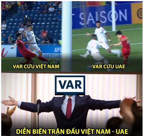 Var, người hùng của trận đấu.