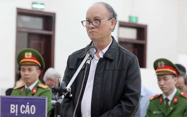 VKS đề nghị miễn tội cho cựu chánh văn phòng UBND Đà Nẵng