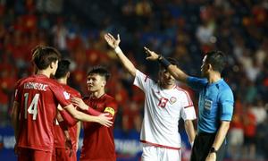 VAR cứu Việt Nam khỏi phạt đền Sea Games 2019 - VnExpress