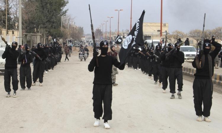 Chiến binh IS tại Tel Abyad, Syria tháng 1/2014. Ảnh: Reuters.