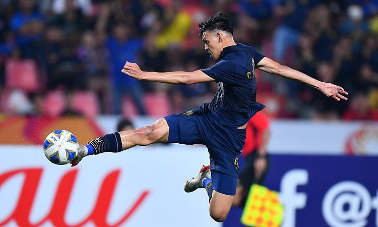 Supachai bỏ qua nhiều cơ hội trong hiệp một. Ảnh: AFC.