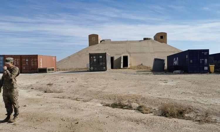 Hầm trú ẩn từ thời tổng thống Saddam Hussein tại căn cứ al-Asad. Ảnh: CNN.