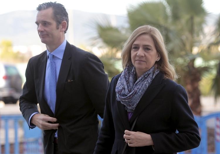 Cristina và chồng Inaki Urdangarin tại Tây Ban Nha tháng 3/2016. Ảnh: Reuters.