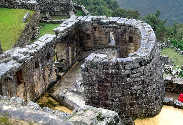 Đền Mặt Trời bên trong thành cổ Machu Picchu. Ảnh: Jaunty Jane.