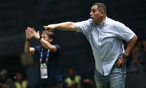 HLV Jordan: 'Chúng tôi bỏ phí năm cơ hội ghi bàn'