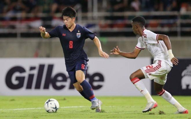 Kritsada là tiền vệ quan trọng trong lối chơi của U23 Thái Lan.