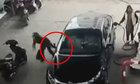 Tên cướp đâm xe vào tường khi tẩu thoát