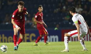 Cơn khát tiền vệ chia bài của U23 Việt Nam Sea Games 2019 - VnExpress