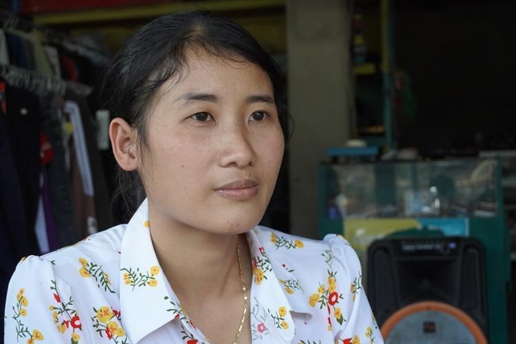 Cô Trắc suốt 10 năm đi dạy ở các điểm trường xa xôi, nhưng chưa một lần than phiền. Ảnh: Trần Hóa.