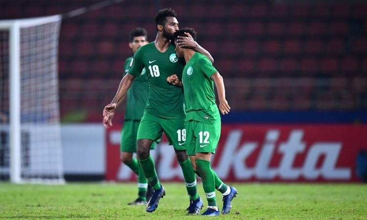 Al-Buraikan (số 19) ghi bàn duy nhất giúp Saudi Arabia đi tiếp. Ảnh: AFC.