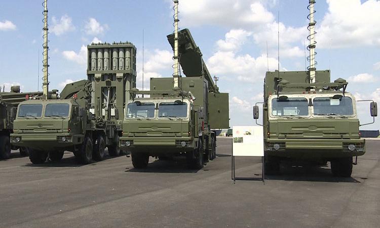 Hệ thống S-350 trong lễ biên chế tại tỉnh Astrakhan tháng trước. Ảnh: NTV.
