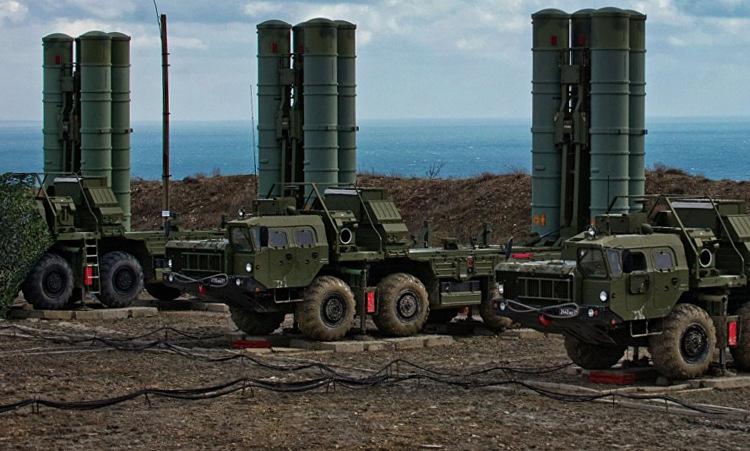 Xe phóng đạn thuộc hệ thống S-400 của Nga. Ảnh: TASS.