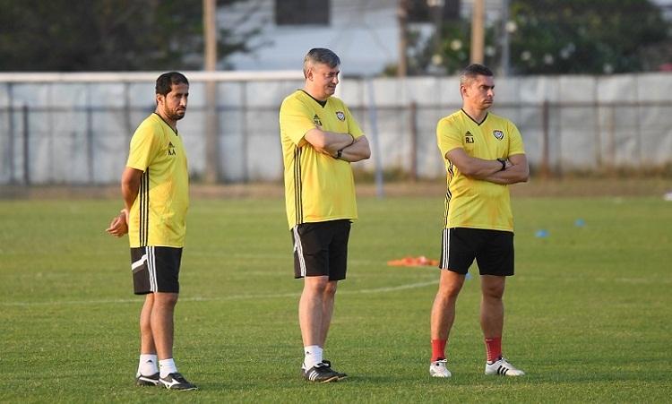 Trợ lýKhaled Ali (bìa trái) khẳng định UAE sẽ hướng đến chiến thắng ở trận gặp Jordan. Ảnh: UAEFA.