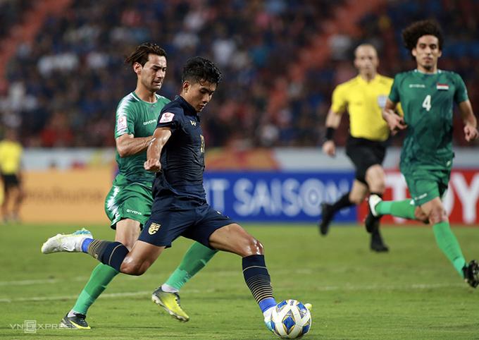 Thái Lan vào tứ kết sau khi vượt qua bảng đấu có Bahrain, Australia và Iraq. Ảnh: Đức Đồng