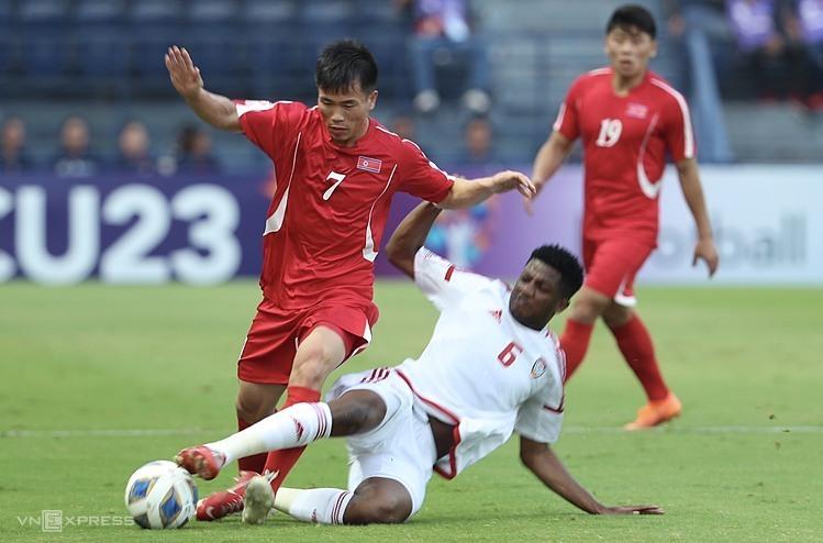 Ri Chung-gyu (số 7) chơi nổi bật trong hai trận đầu. Ảnh: Đức Đồng.