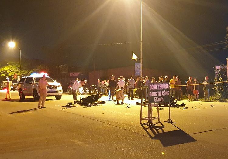 Cảnh sát phong tỏa hiện trường vụ tai nạn. Ảnh: Đ.H